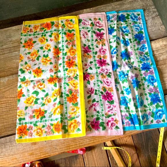 """NEW Vintage Floral Scarves 15"""" Square Set of 3"""